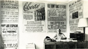 Louis Lecoin au siège du journal Liberté