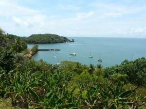 Vue sur l\'île Saint Joseph depuis l\'île du Diable