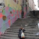 graffeur-en-action-avec-voyeurs-6277
