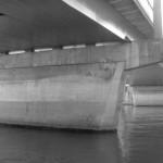 sous-les-ponts-en-noir-et-blanc-6141
