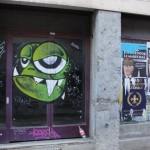 un-monstre-vert-et-un-noir-3296